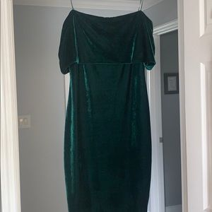 f6a246dd62 Gianni Bini Dresses - Gianni Bini Green Velvet Off The Shoulder Dress L